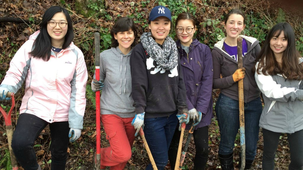 Comm Lead's Cohort 15 students organize first ever volunteer day