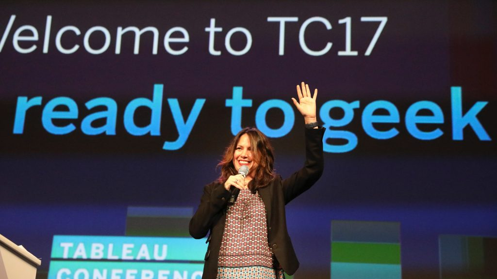 "Tableau's Adriana Gil Miner Honored with 2018 ""Communication Leader"" Award"